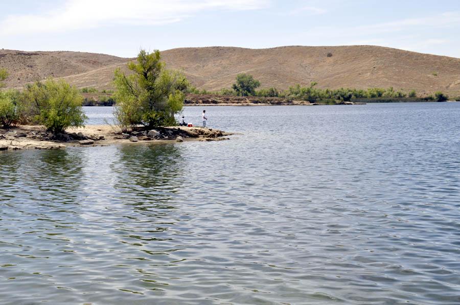 A visit to lake skinner groksurf 39 s san diego for Lake skinner fishing