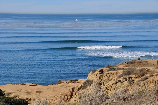 Clear warm weather and glassy conditions last Friday at Sunset Cliffs (South Garbage).